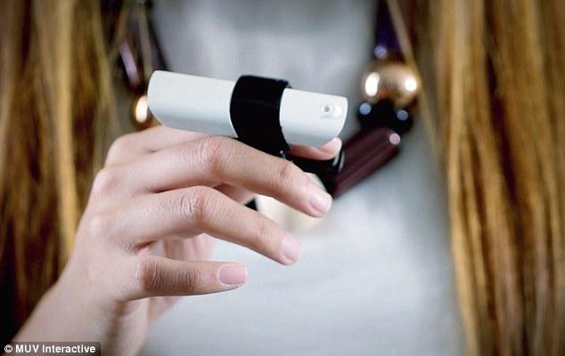 MUV Interactive Bird: handige wearable die je helpt met het geven van presentaties